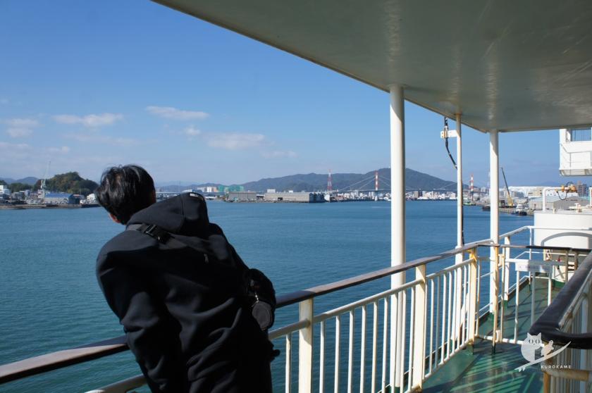 南海フェリー海上から徳島市を望む