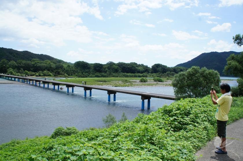 四万十川に掛かる佐田沈下橋