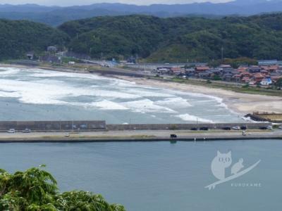 写真:10月27日 鳥取 北西爆風で初セミドライ!割れない肝試し波