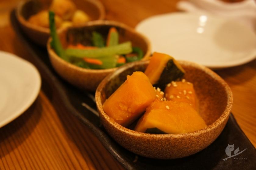 高知・中村(四万十)居酒屋ますだやで惣菜盛り合わせ