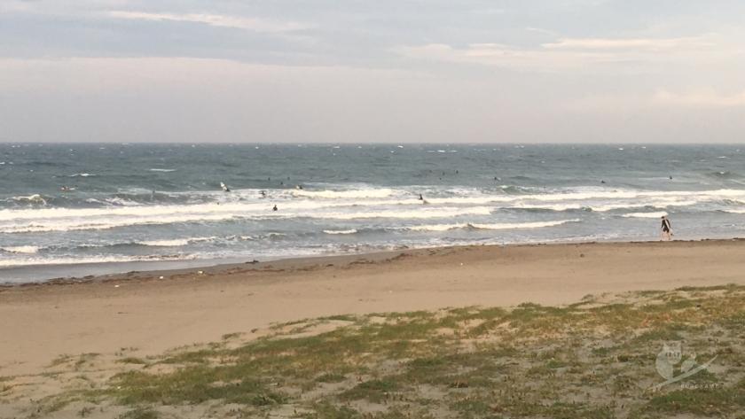 猛烈オンショアな磯ノ浦サーフポイントの波