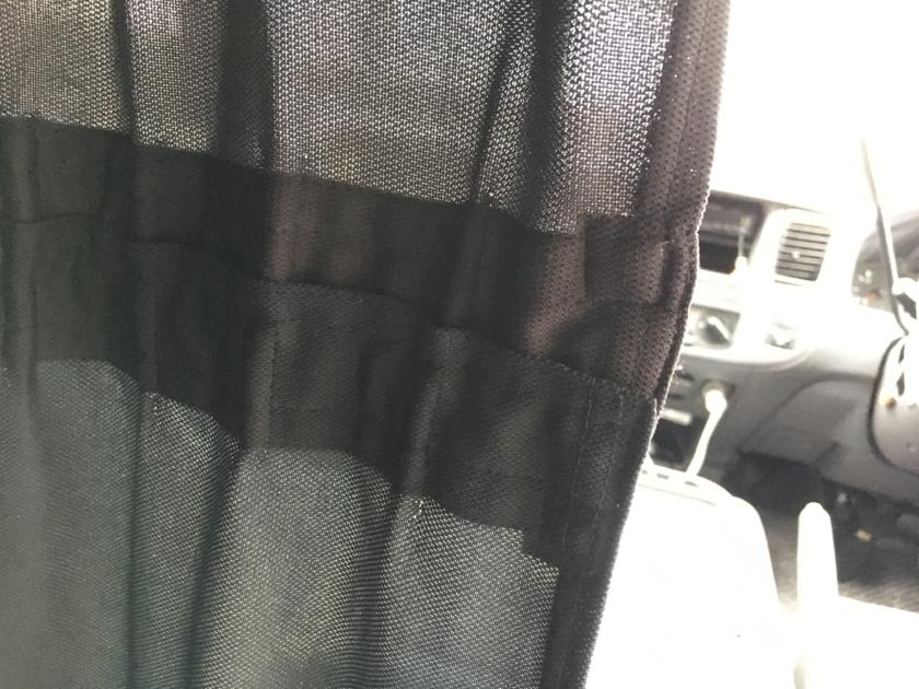 車中泊用カーテン取り付け