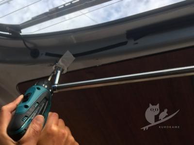 写真:【車中泊特集2017】エアコンフィルターとサーフボード載せとウェット吊り