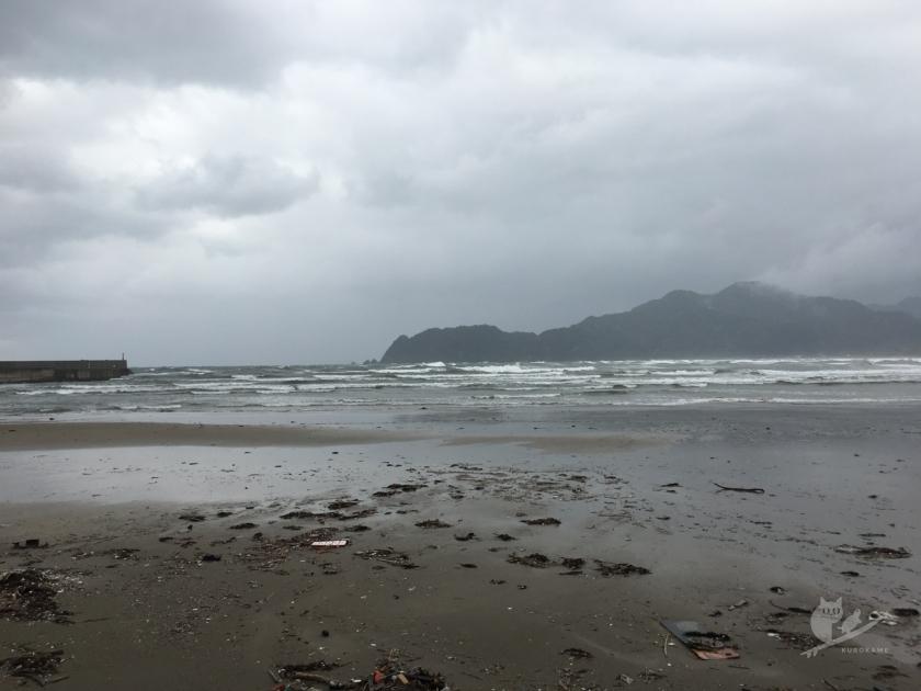 鳥取某サーフポイントの波