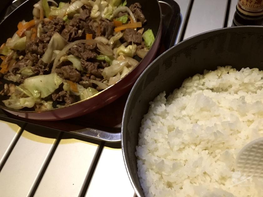 自炊で炊飯&牛野菜炒め