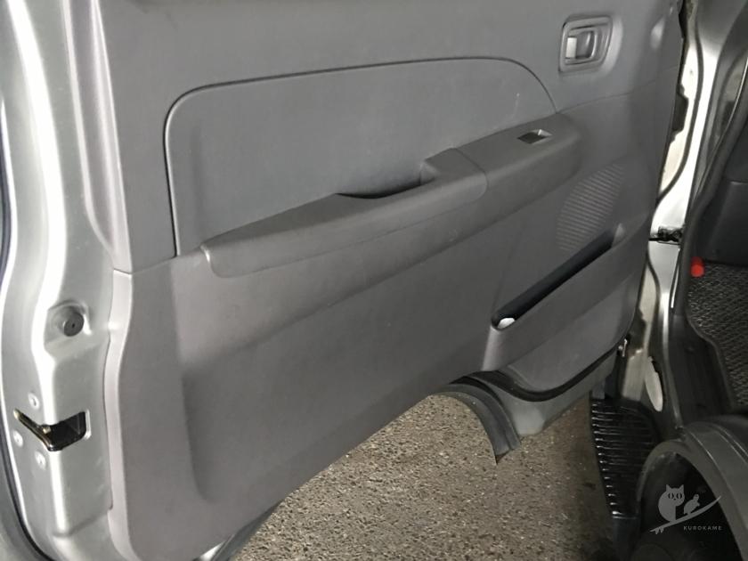 サーフィン・車中泊用バンのスピーカー付け替え