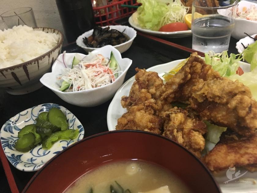 徳島・海部のももや食堂のからあげ定食