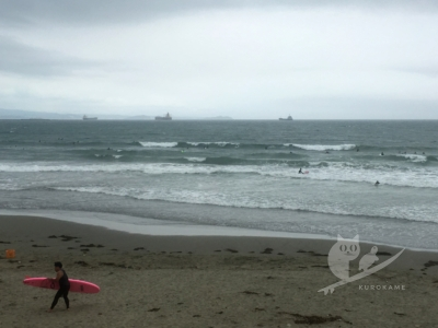 写真:6月28日 磯ノ浦 割れづらい台風うねりで頭オバケに巻かれ祭り