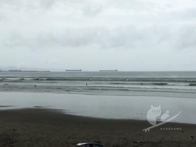 写真:7月19日 磯ノ浦 台風5号狙い電車サーフィンして帰ってまた磯ノ浦?