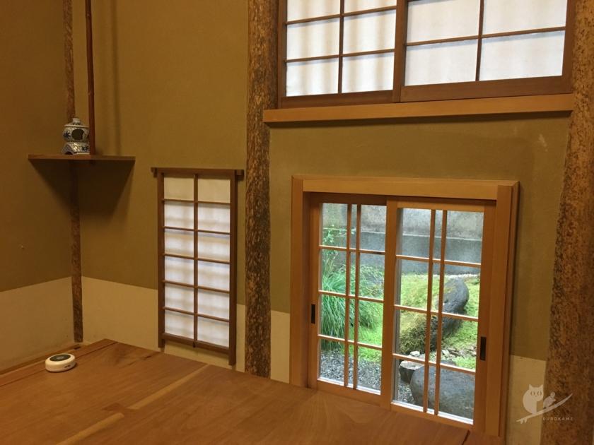 京都・花咲萬治郎の坪庭が見える個室