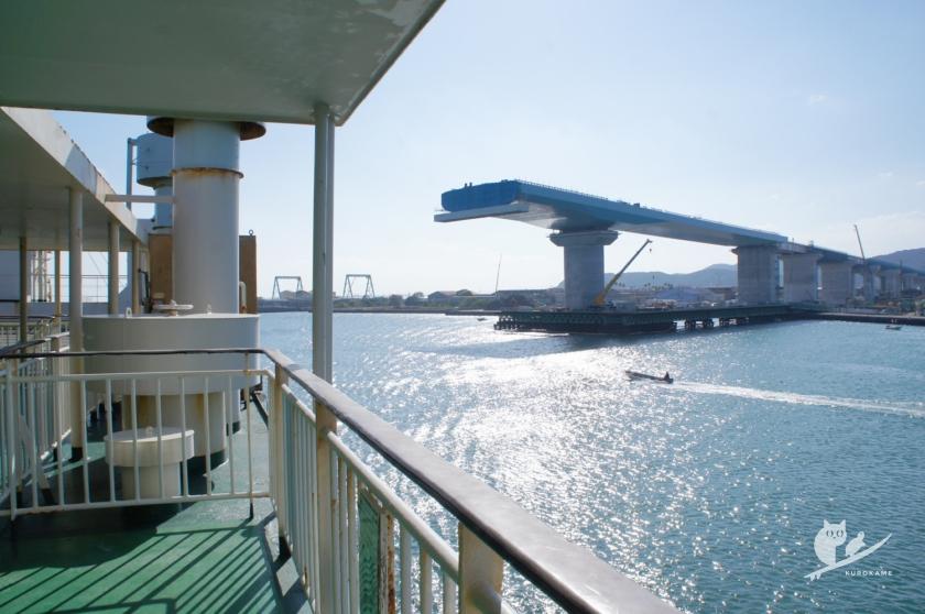 四国横断道の新町川橋建設現場